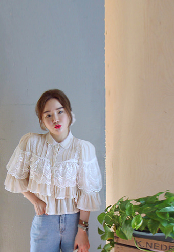 Lace cancan blouse 4월10일출고확정